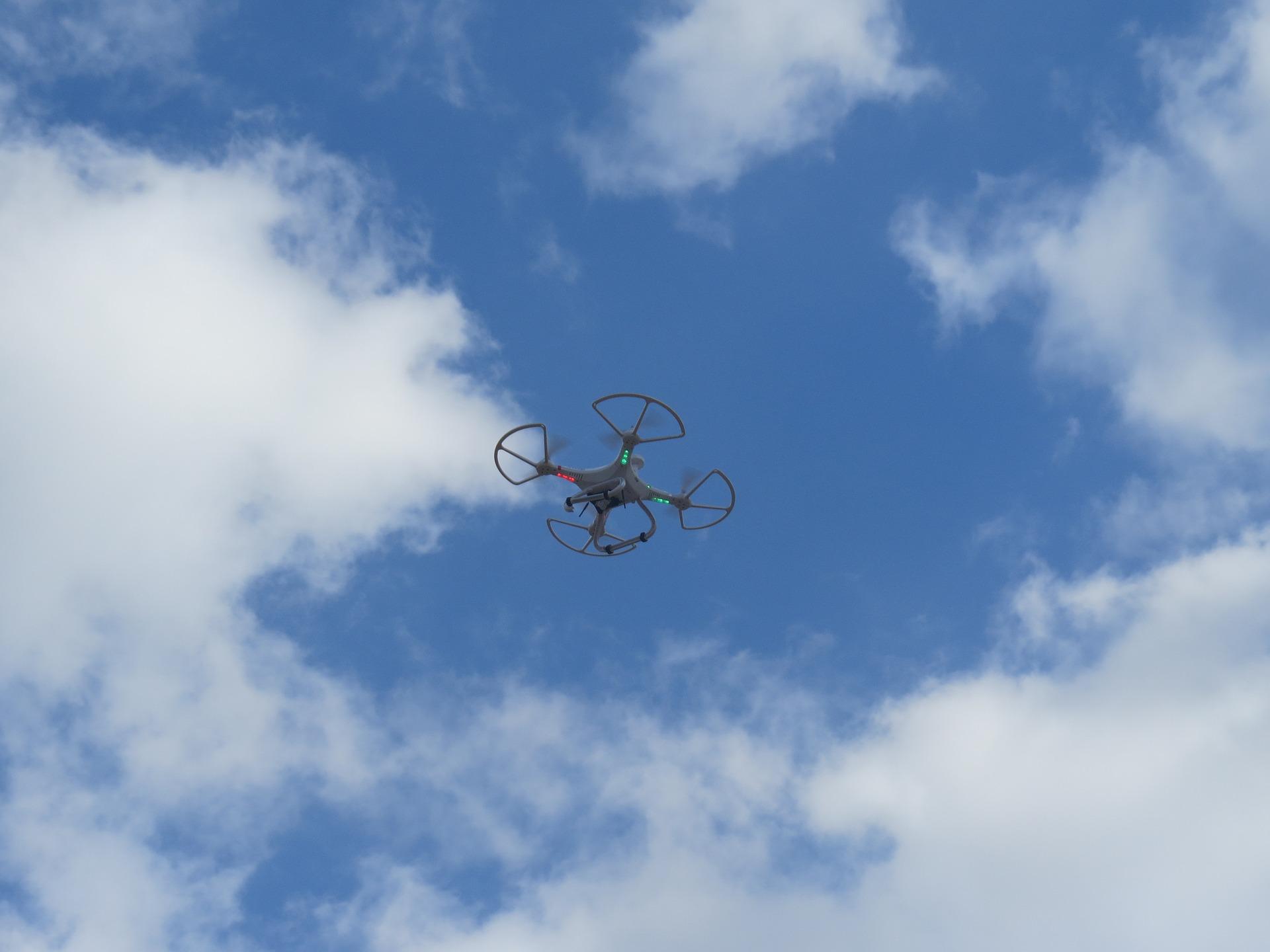 Robienie zdjęć z powietrza – zdjęcia z drona cennik
