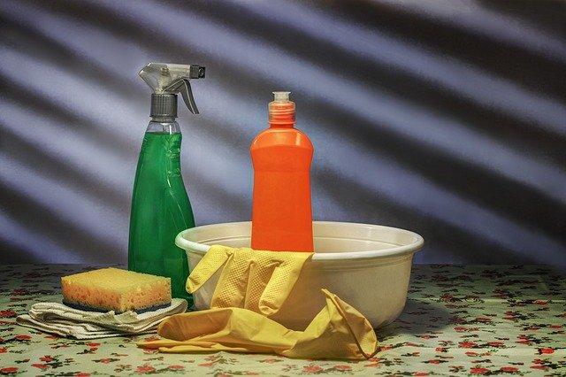 Producent chemii gospodarczej – gwarancja wysokiej jakości środków czystości używanych codziennie