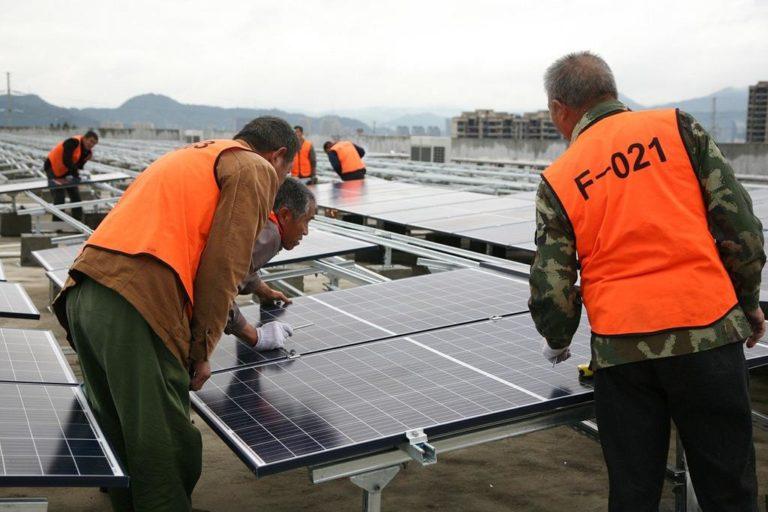 Dlaczego energia ze źródeł odnawialnych opłaca się również dla firm?
