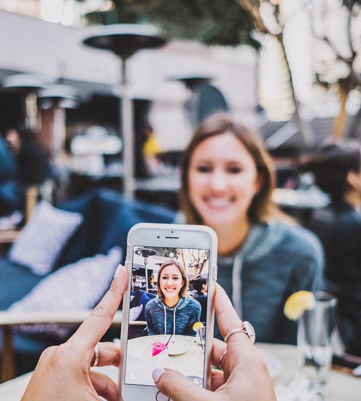 Uszkodzony smartfon – warto naprawiać czy lepiej kupić nowy?